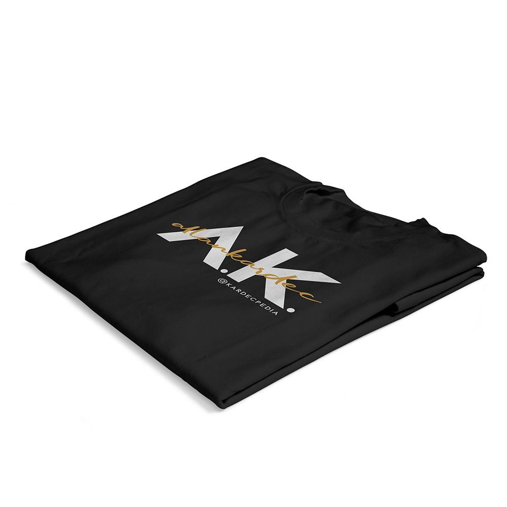 01-camiseta-nobilta-preta-dobrada
